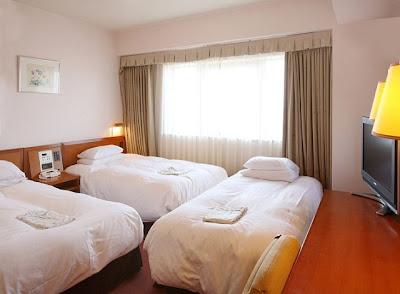 Hearton Hotel Nishi Umeda triple room
