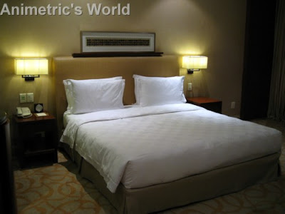 Hyatt Manila's king-sized bed