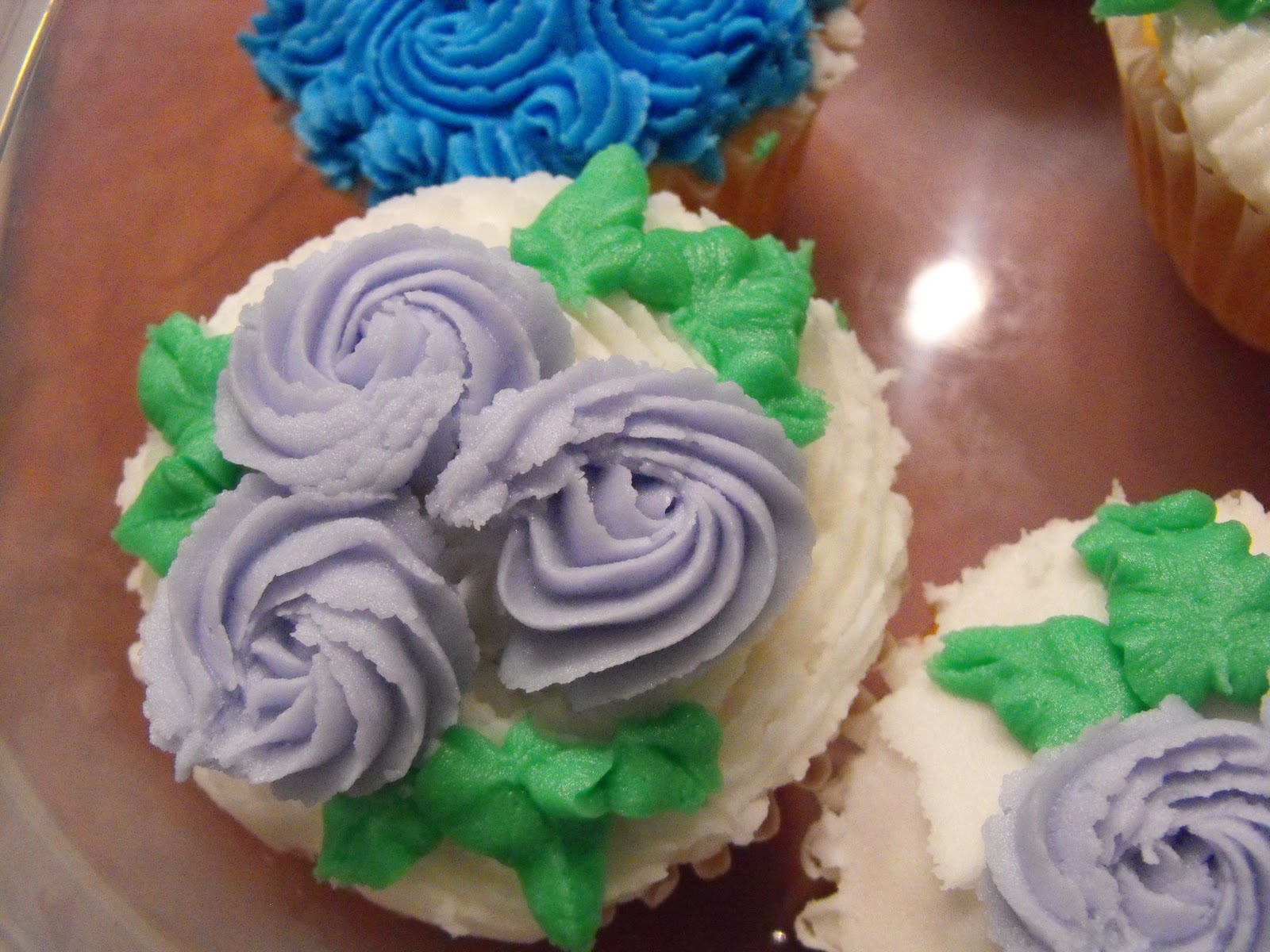 Types Of Cake Decorating : Wilton Cake Decorating Basics - Cupcakes