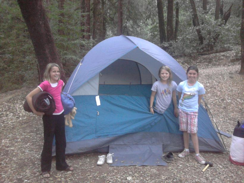 See how these Girl Scouts are smiling? Thatu0027s because they all love this Coleman Sundome tent! Hereu0027s why  sc 1 st  Bonggamom Finds - Blogspot & Bonggamom Finds: Camping with Coleman: 6 Person Sundome Tent Review