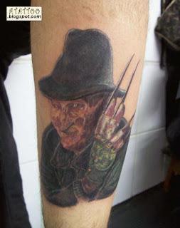 Fred Kruger tatuado na perna<br />