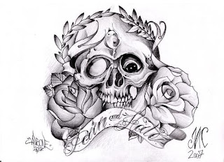 Caveira com rosas
