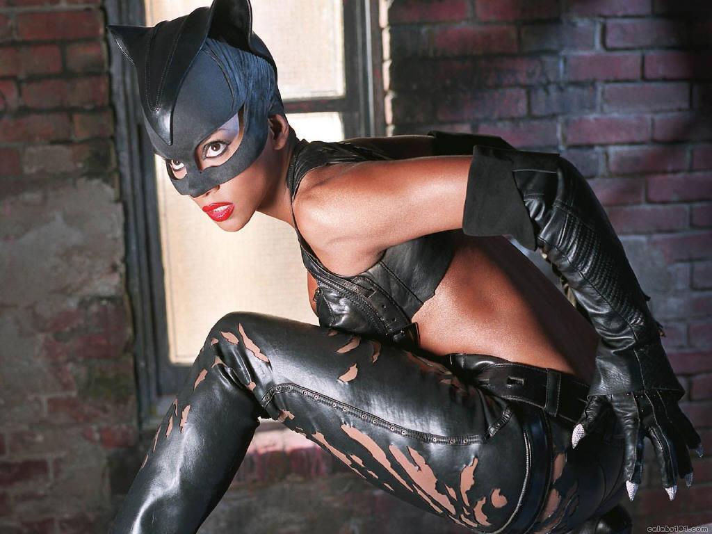 http://3.bp.blogspot.com/_nfkUveGxxk4/TOdU6CwQg6I/AAAAAAAABew/roI7AN1uCyc/s1600/catwoman.jpg