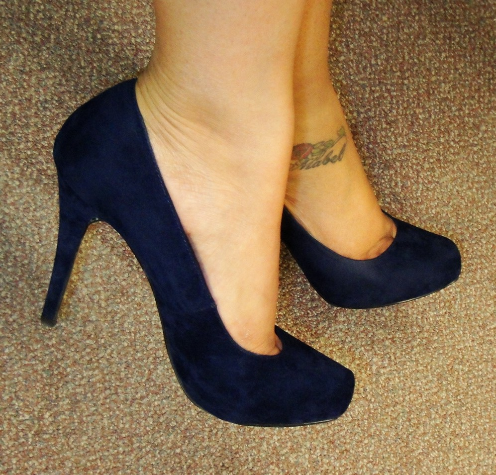 the fancy navy blue suede shoes