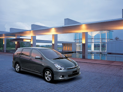 New Toyota Wish 2010 Review and Specification