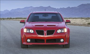 The 2009 Pontiac G8 : Reviews Specs