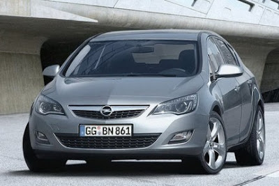 Nuova Opel Astra 2009 2010: Reviews and Photos