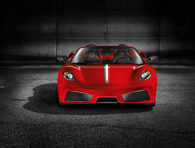 2010 Ferrari Scuderia Spider 16M Pictures