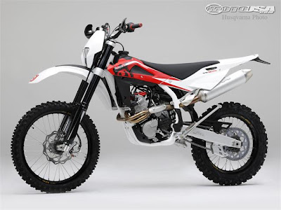 2010 Husqvarna TE310 Dirt Bike Review Picture