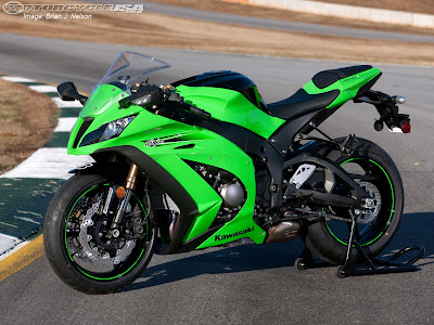 2011 Kawasaki ZX-10R First LooK