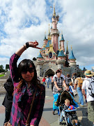 A day is barely sufficient enough to enjoy and look at all Paris Disneyland. (conew )