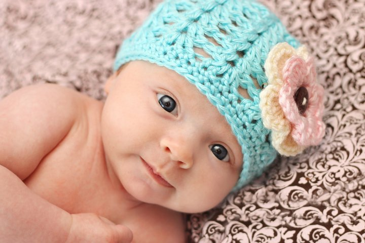 Free Crochet Baby Hat Patterns : The Dainty Daisy: Shell Stitch Beanie