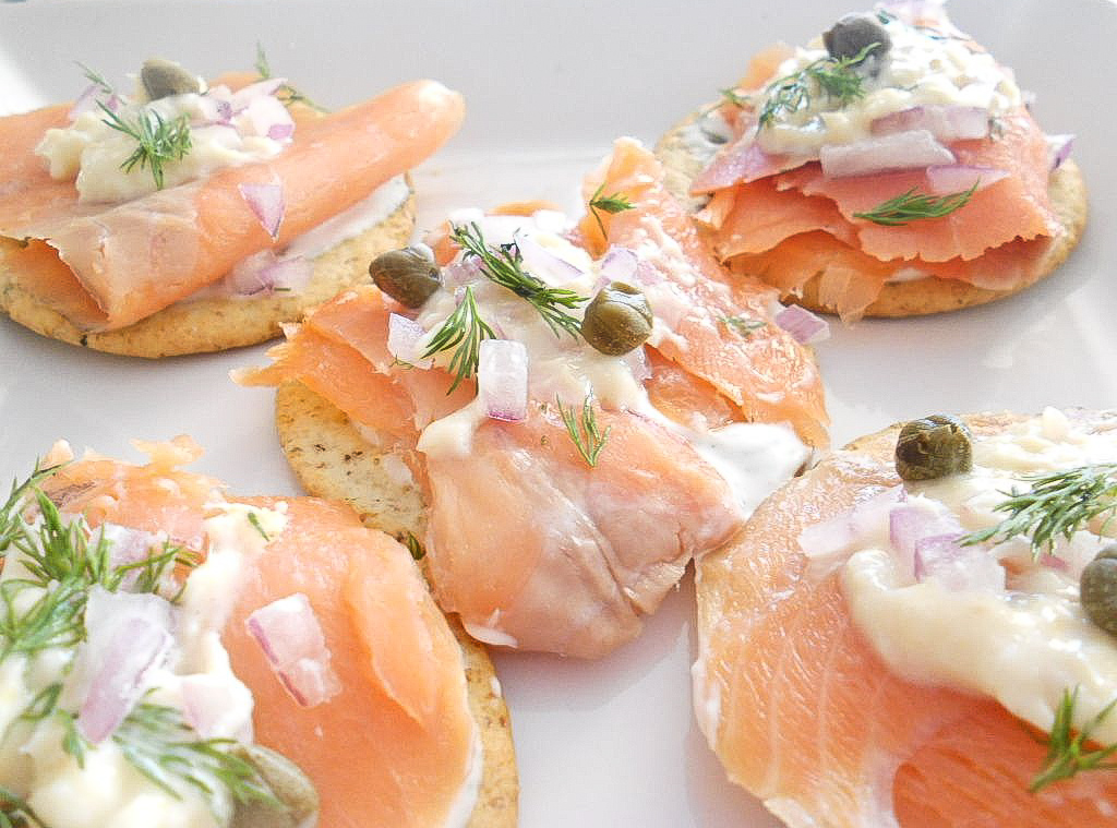 Cute pig food reviews and recipes blog smoked salmon canap s for Salmon canape ideas