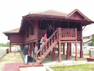 Rumah yang diyakini pernah menjadi tempat tinggal Si pitung di Marunda