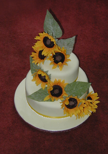 Cake Art Creations Atherstone : CakeChannel.com - World of Cakes: Sunflower Cake
