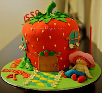 Issa Fashion Collection on Iluv Cakez  Strawberry Shortcake Cake  Issa S 4th Birthday Cake