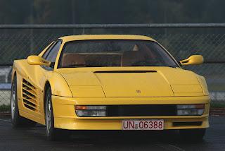 Ferrari Testarossa Amarillo