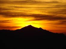 O Sol nasce atrás da Serra...