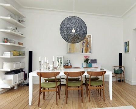 Pimp me up!: relancering af gamle spisestuemøbler