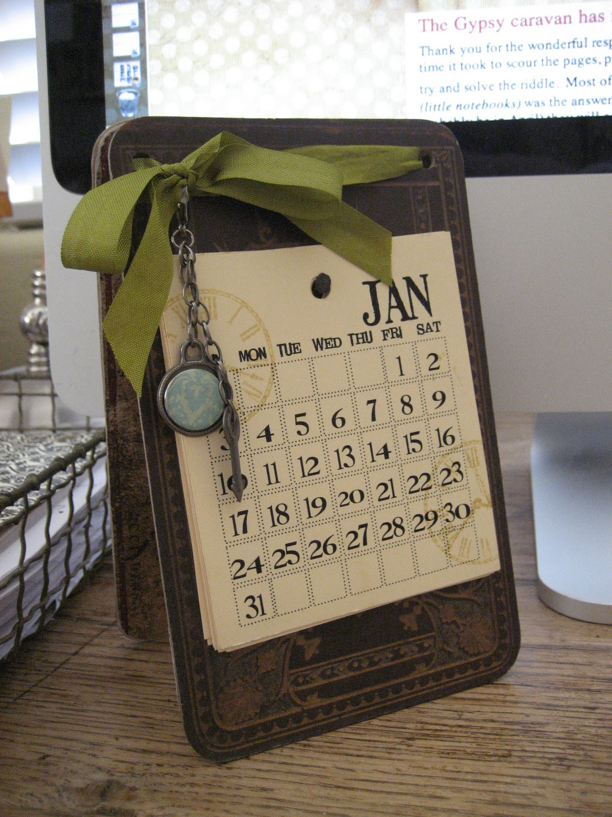 Handmade Calendar Tutorial : One lucky day best wishes for the new year