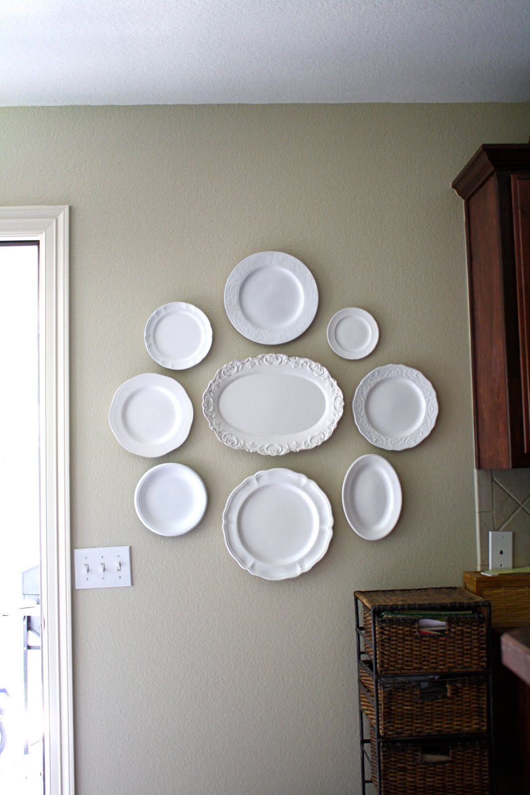 Plates Wall Decor 1000 Images About Hanging Plates On Pinterest House Tours