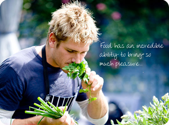 is curtis stone gay