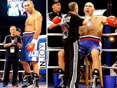 O boxeado russo Valuev com o seu novo treinador, Alexander Zimin