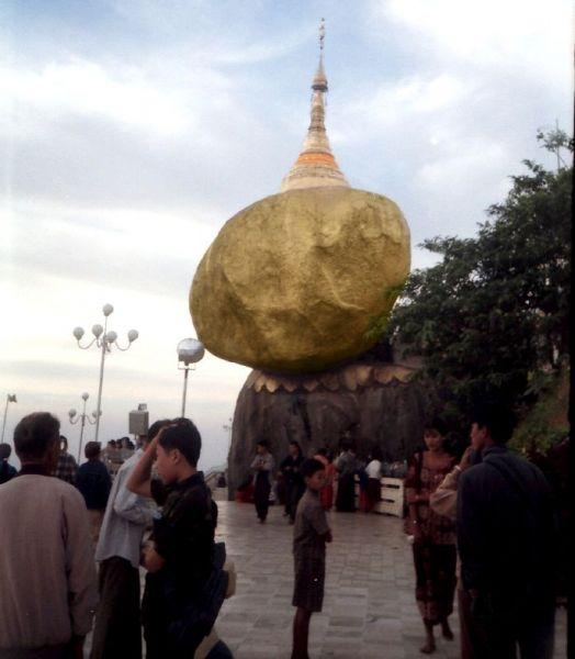 2500 tahun Pagoda ini melawan Gravitasi