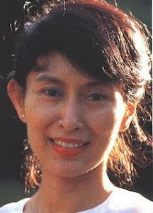 Personalidade Expresso Elas Aung San Suu Kyi - líder política  ativista birmanesa . Nasceu em 1945
