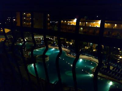 Vista de la piscina desde el balcón de la habitación