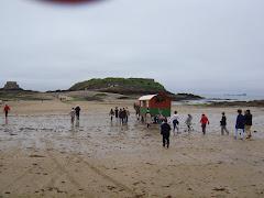 La roulotte... glisse sur le sable