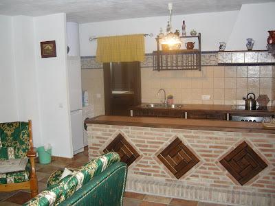 Casas rurales en grazalema salon comedor con barra - Comedor con chimenea ...