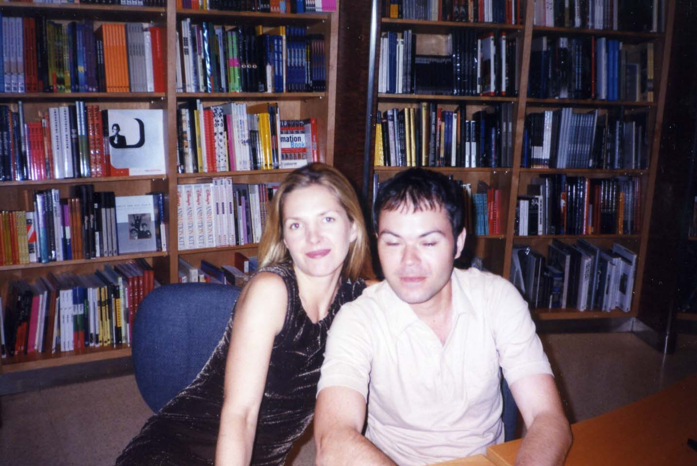 http://3.bp.blogspot.com/_nw8fcHV1bdE/S-tZCSO0plI/AAAAAAAAHzw/u6GPadYALLU/s1600/Saint+Etienne+Los+Angeles+June+1999+Virgin+Megastore.jpg