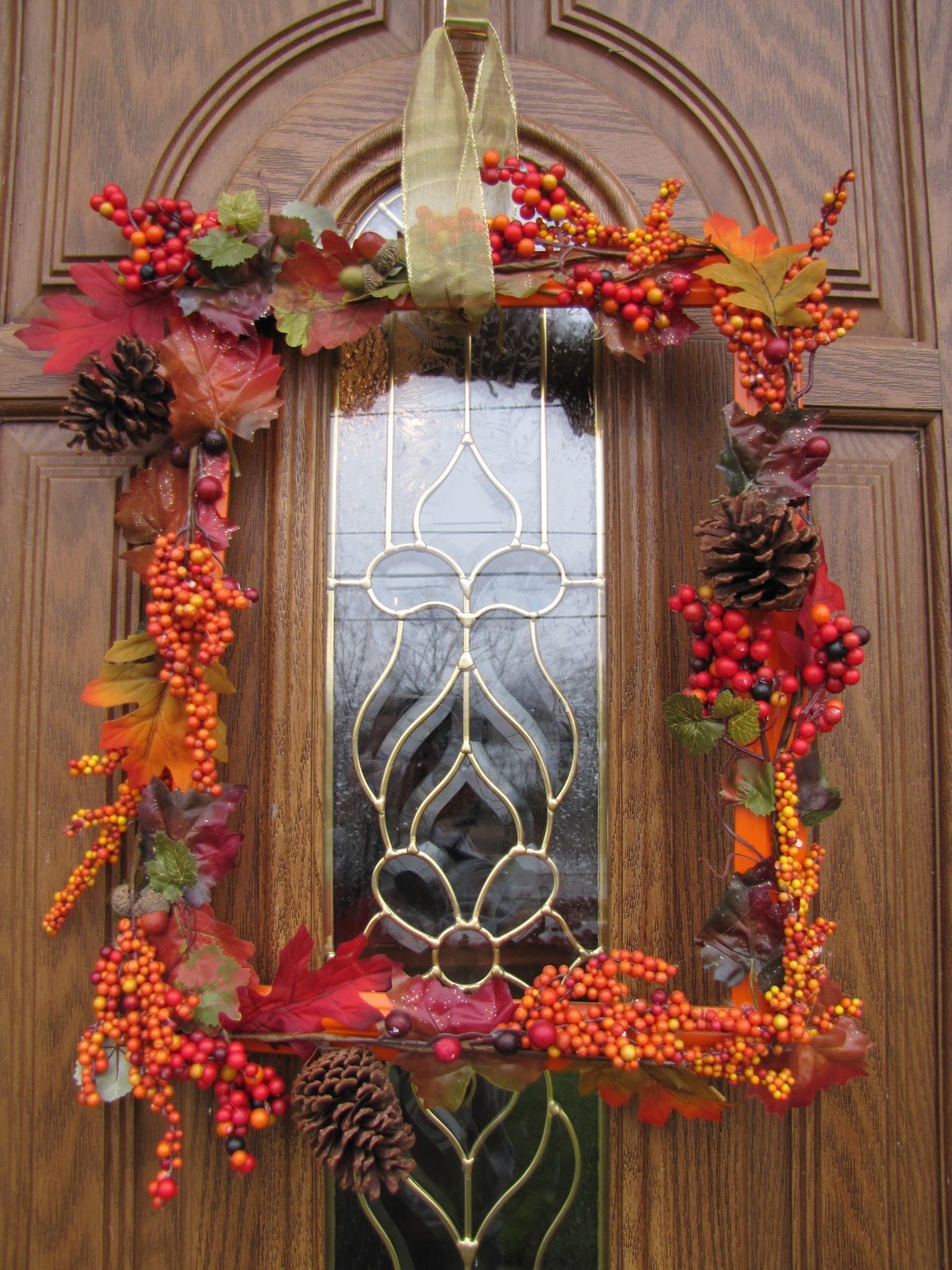 Sustainably chic designs fall wreath on the cheap
