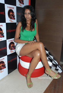 Hot models from Kingfisher Bash