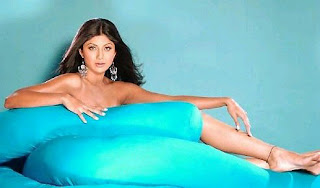 Shilpa Shetty almost nude showing off her feet