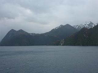 Mistige fjorden.