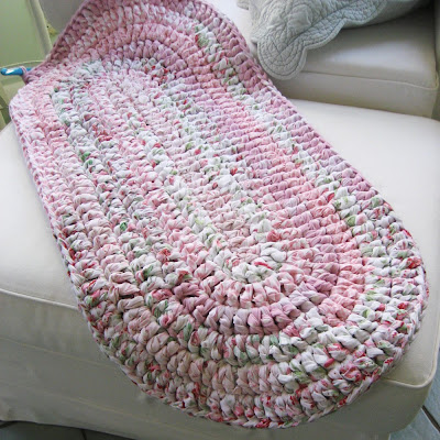 Free Crochet Pattern For Oval Rag Rug : Crocheted Rag Rugs For Sale ? Quick And Easy Crochet