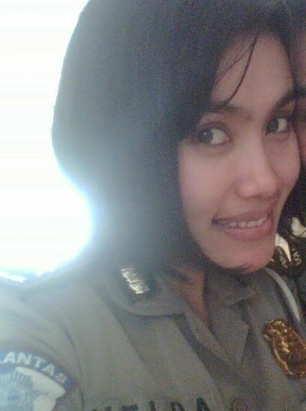 [Image: Polisi+wanita+alay.jpg]