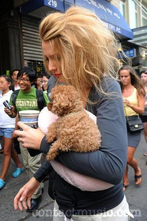 Blake Livelychild on Blake Lively 2011607 Jpg