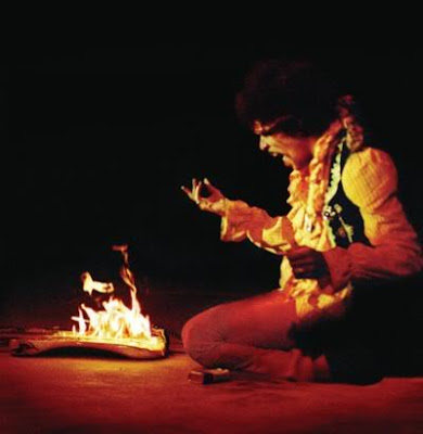 jimi hendrix burning his guitar