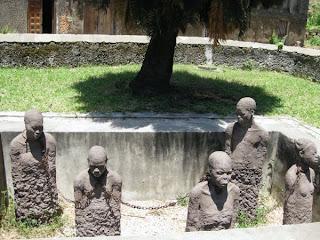 Slave-memorial-sculpture-1.jpg