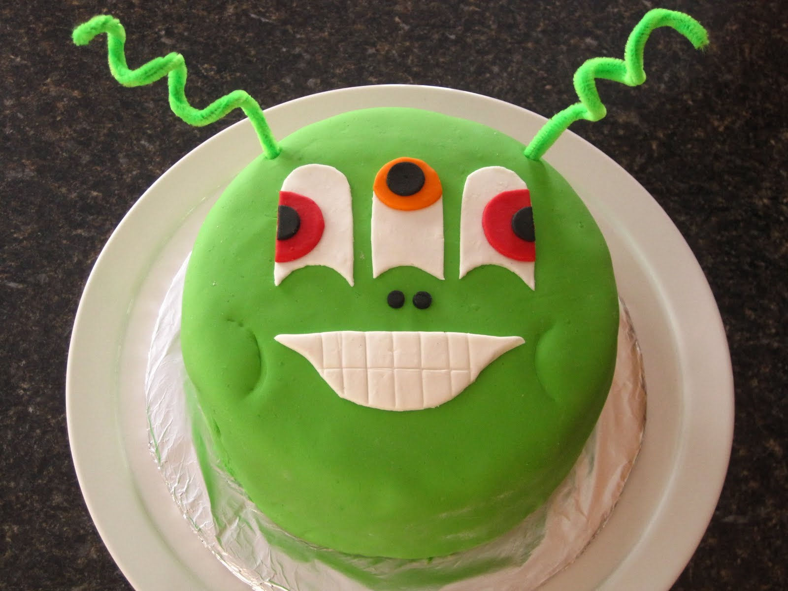 Sweet Escape Alien Cake