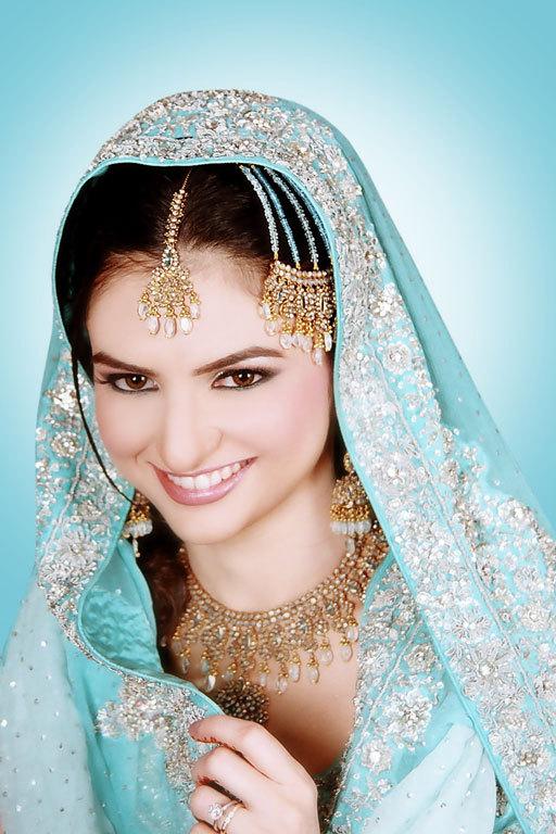 january032006a05nw9 Pakistani Bridal Dresses