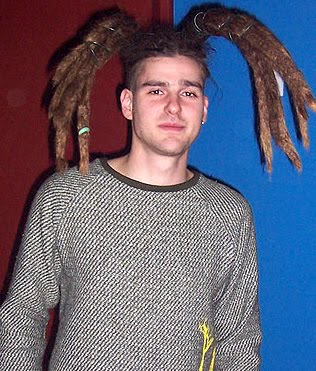 White guys with dreadlocks things i want to punch in the face yeah you with the dreadlock fountain sprouting from your head guess what medusa youre not cool or interesting or indie youre dirty with dreads you urmus Choice Image