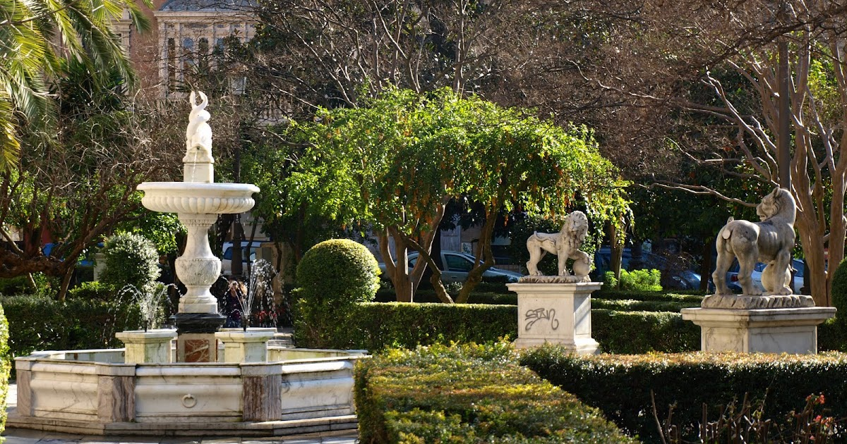 Sevilla daily photo la fuente del archivo - Garden center sevilla ...