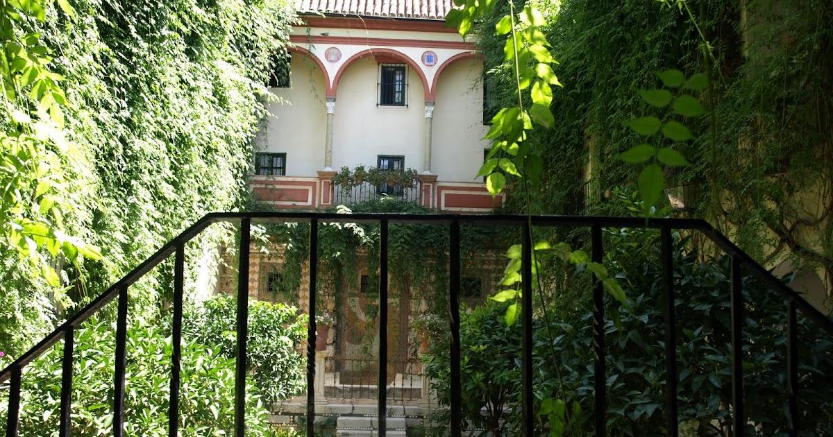Sevilla daily photo la casa de los cartujos - La casa de los uniformes sevilla ...