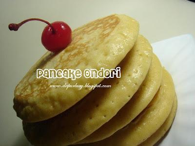 resepnya wah liat fotonya itu pancake menul2 banget bikin ngiler