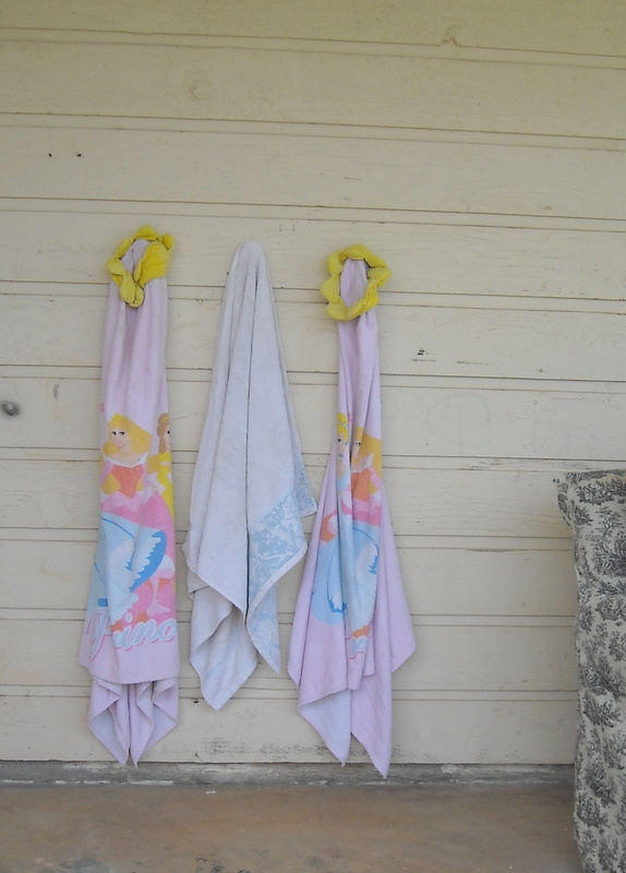 Keeping Up With The Pryors Cheap Way To Hang Towels Outside