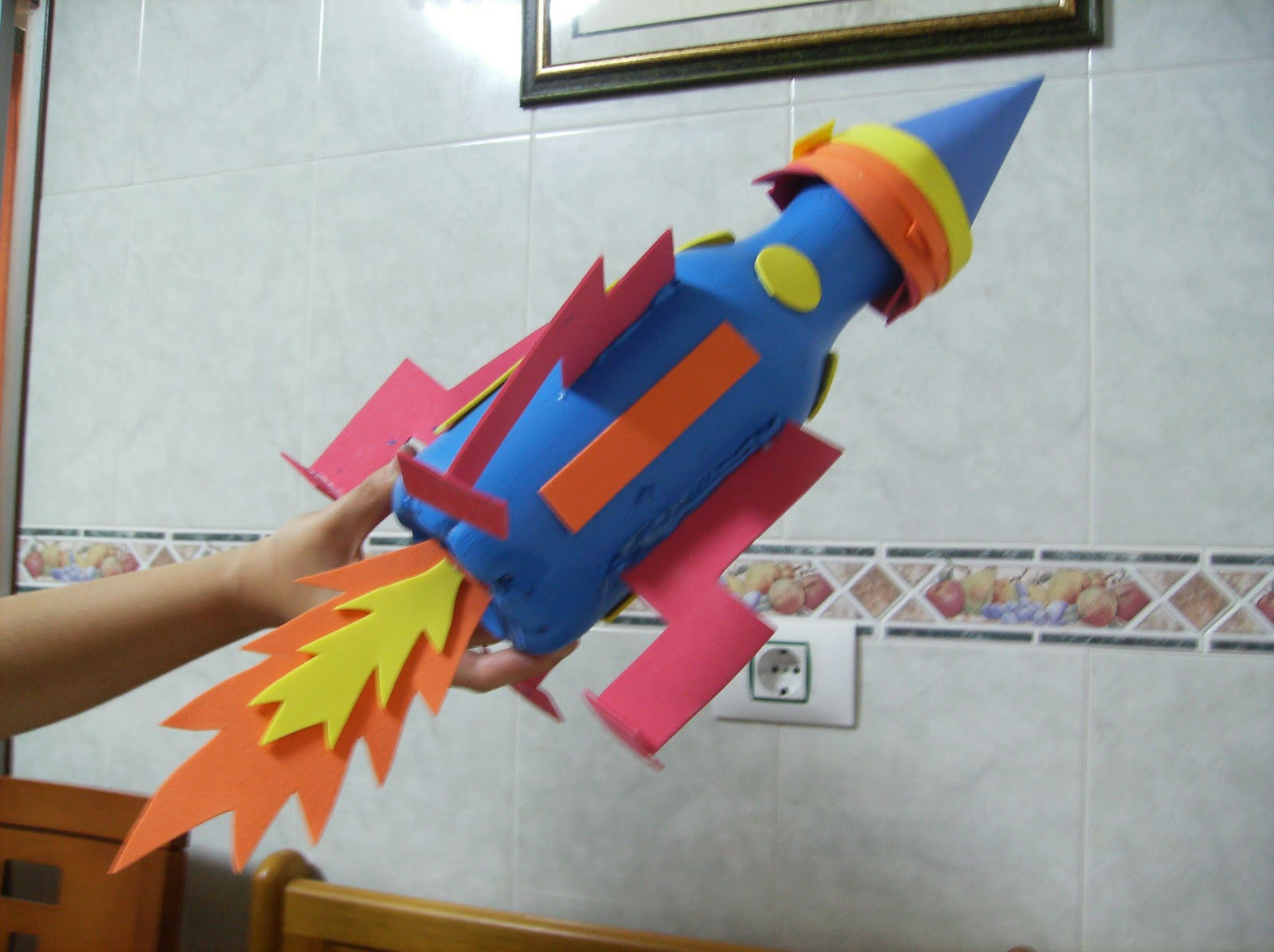 Como Hacer Un Cohete De Una Botella